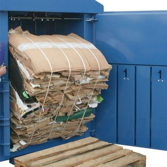 kartonpers plasticpers 300 kg